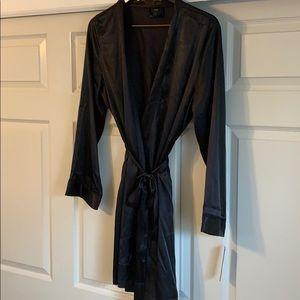 Black silk-like robe - NWT